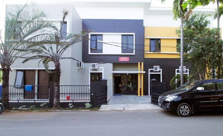 RedDoorz Pulo Gebang Jakarta - Eksterior