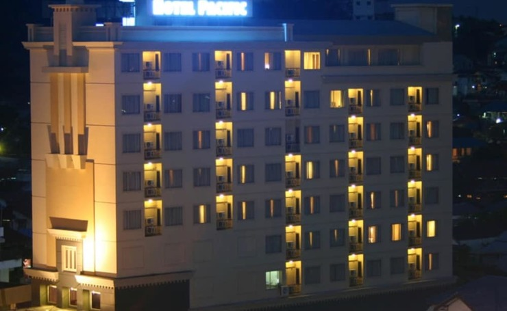 Hotel Pacific Balikpapan - Hotel Front - Evening/Night