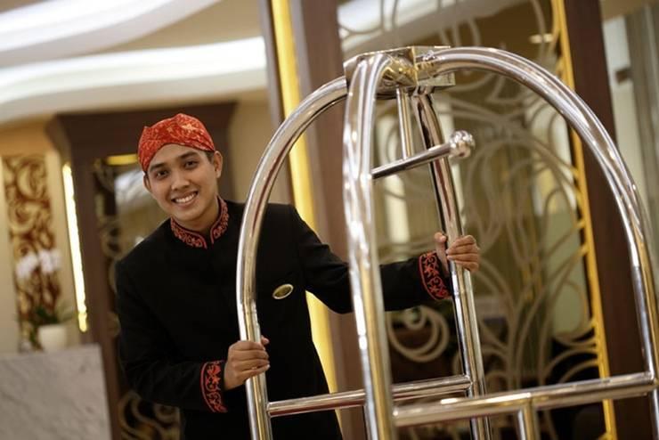 Hotel Santika Depok - Pramutamu