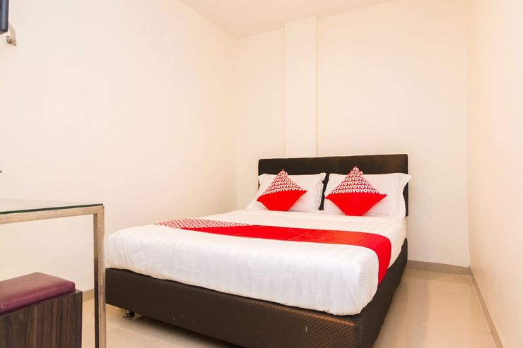 OYO 1635 New Star Hotel Batam - Bedroom
