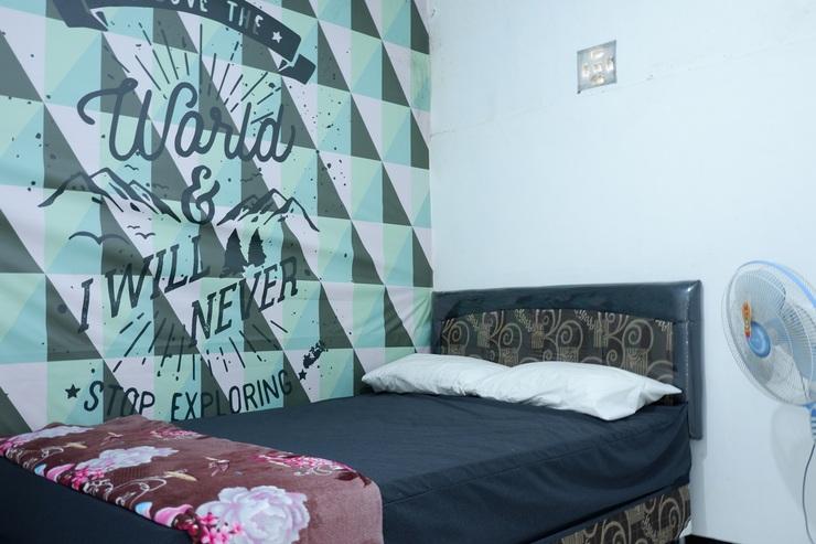 Papyrus Homestay Syariah Malang - bedroom