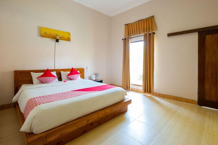 OYO 1485 Hadiqa Villas Lombok - Bedroom