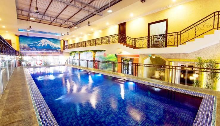 Amos Cozy Hotel Melawai - Indoor Swimming Pool