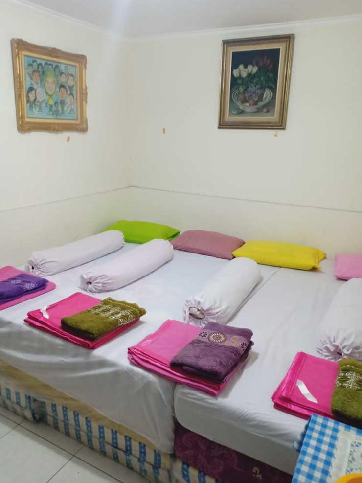 Eline Guesthouse Jakarta - Bedroom