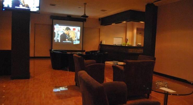 Hotel Marlin Pekalongan - Bar