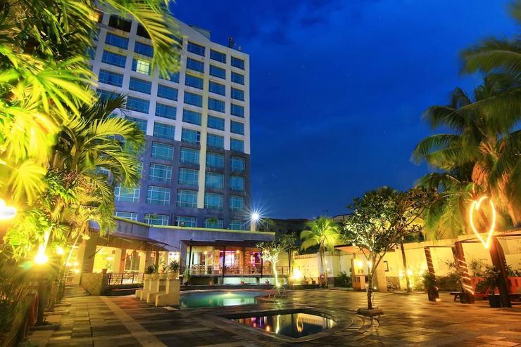 Grand Suka Hotel Pekanbaru - Pool