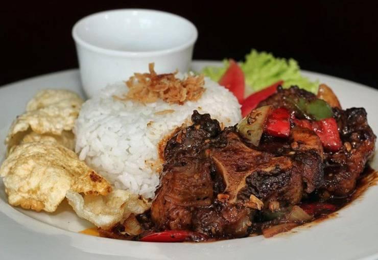 Grand Suka Hotel Pekanbaru - Makanan