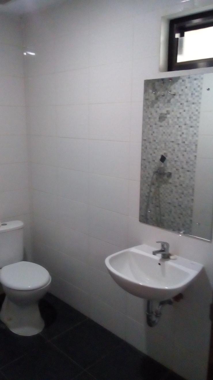 Fendis Hotel Yogyakarta - Bathroom