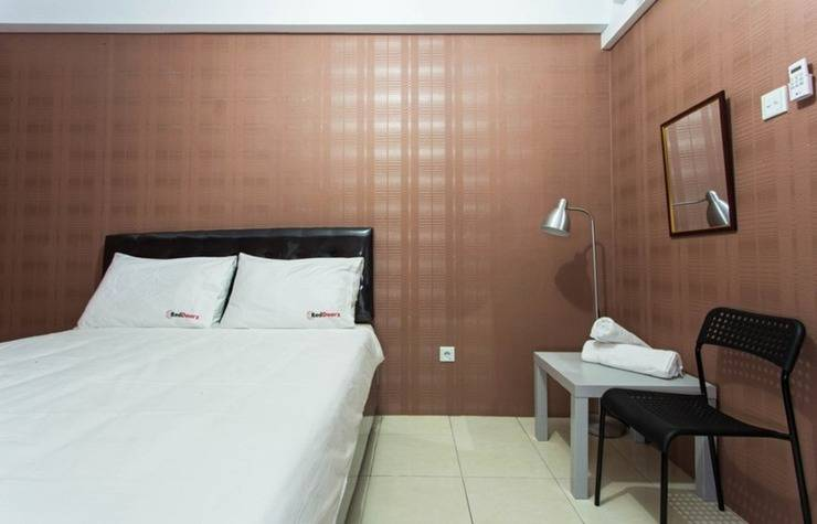 RedDoorz Apartment at Ciputat 3 - Kamar