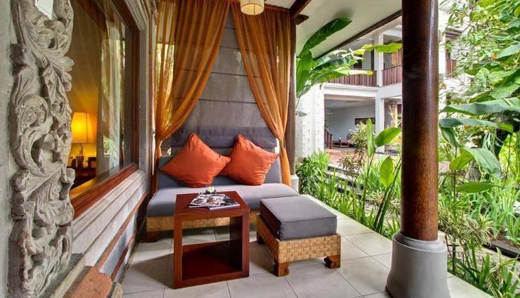 Kuta Seaview Hotel Bali - Premier Deluxe Cottage Balcony