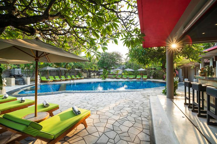 Kuta Seaview Hotel Bali - Swimming Pool