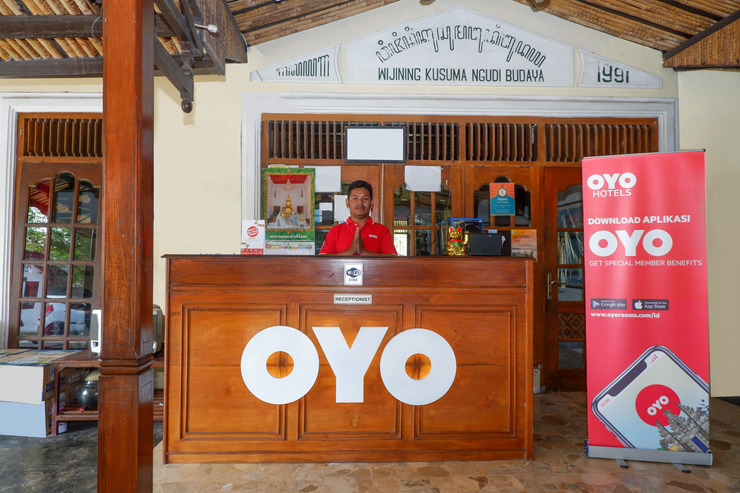 OYO 860 Rajasa Hotel Magelang - Reception