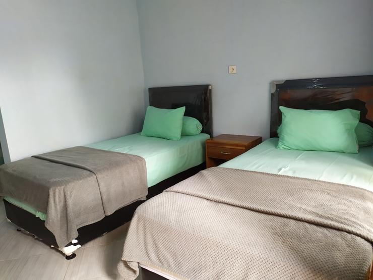 OYO 2423 Hotel Tubalong Taliwang Syariah Sumbawa Barat - Guest Room