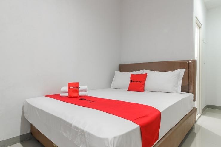 RedDoorz Syariah near ITC Cipulir Mas Jakarta - Guestroom