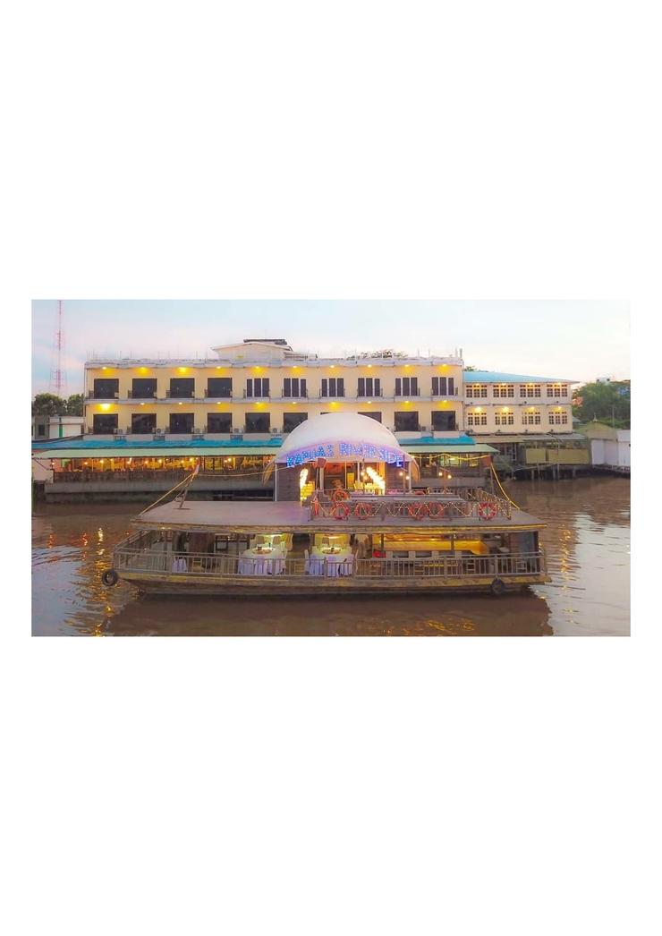 Grand Kartika Hotel Pontianak - building