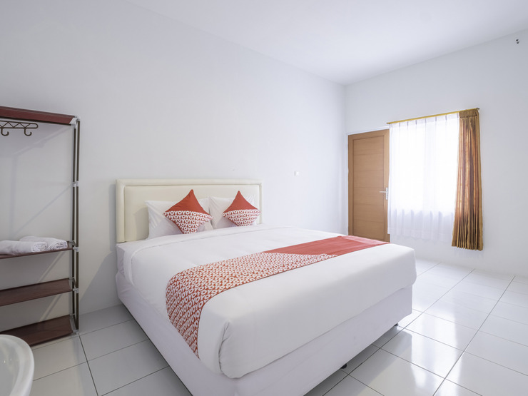OYO 2188 Rossan Villa 4 Bandung - Standard Double Bedroom