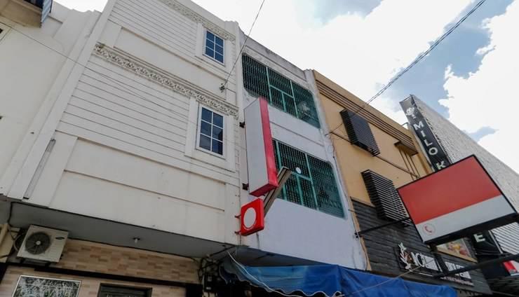 RedDoorz near Maimun Palace Medan -