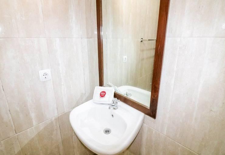 NIDA Rooms Colombo 48 Jalan Gejayan Jogja - Kamar mandi