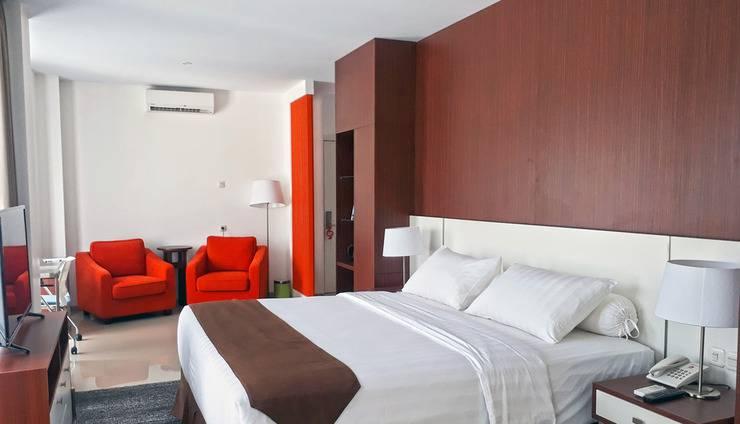 Front One Hotel Pamekasan Madura Madura - Bedroom