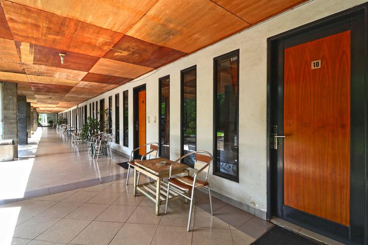 Hotel Sampaga Banjarmasin - Balcony