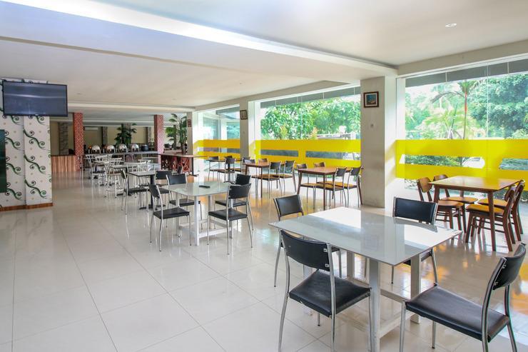 Airy Mandonga Edi Sabara 9 Kendari Kendari - Restaurant