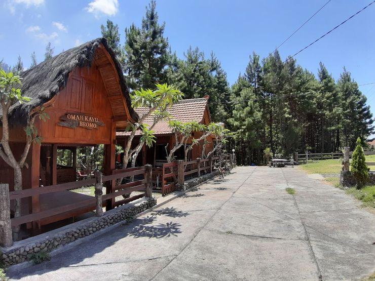 Villa Omah Kayu Bromo Probolinggo - Exterior