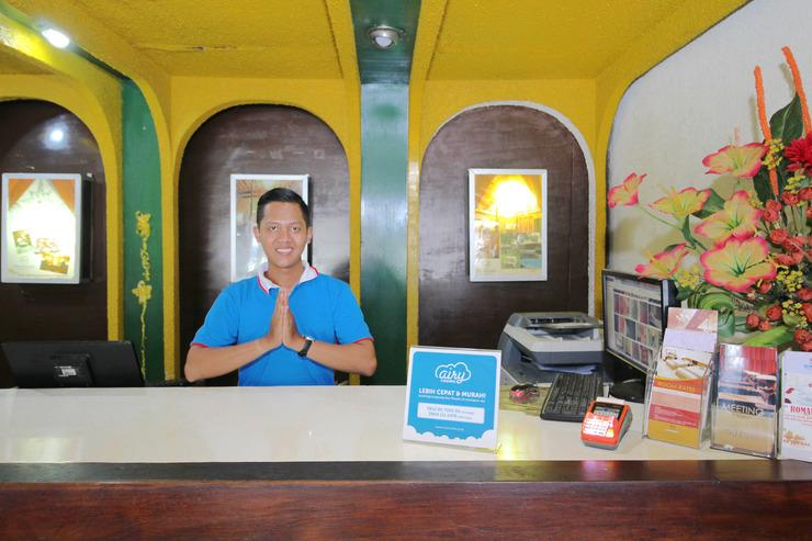 Airy Carturtunggal Laksda Adisucipto 6 Yogyakarta - Receptionist