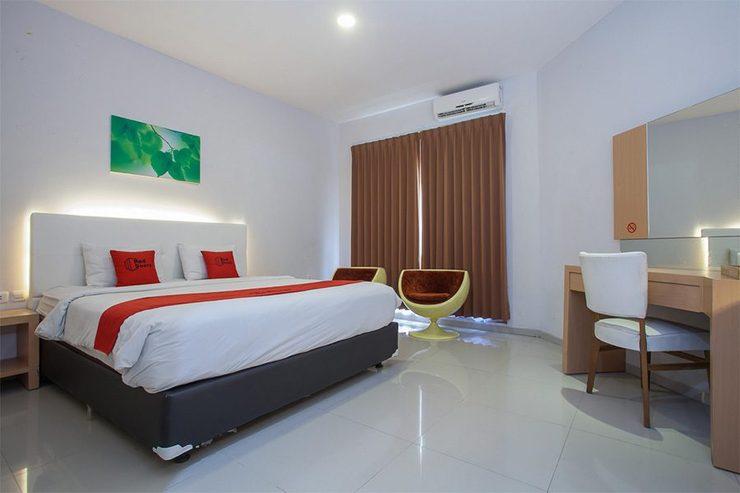 RedDoorz Plus @ Idjen Boulevard Malang Malang - Suite