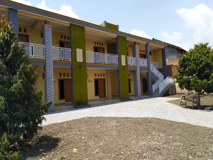 R3 Brawijaya Homestay Banyuwangi - Facade