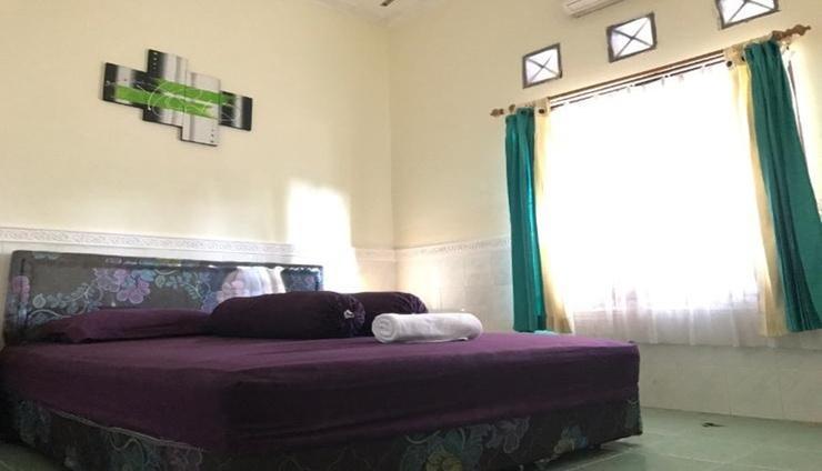 Tasya Family Guest House Lombok - Bedroom