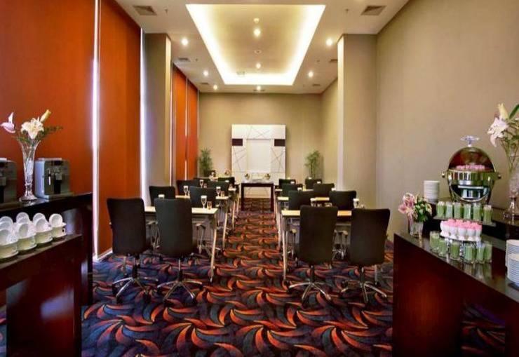 Fame Hotel Serpong - Meeting Room