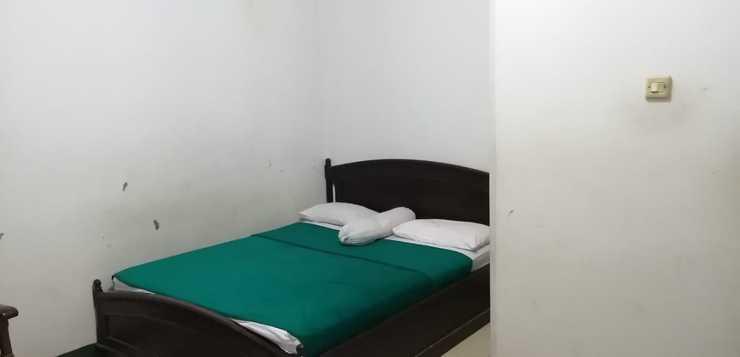 OYO 2452 Hotel Metro Bandung - Guest Room