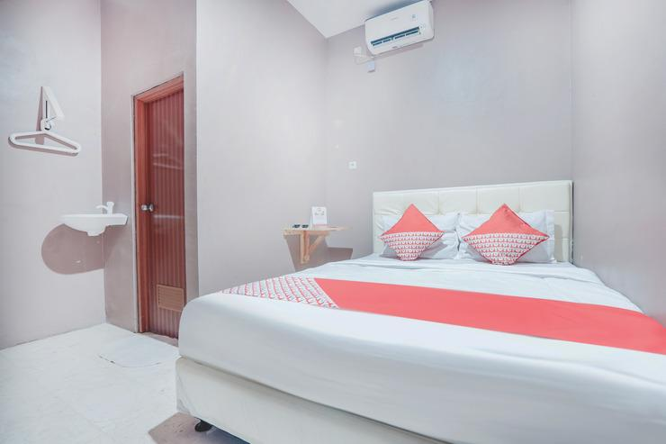 OYO 286 Haji Saaba 20 Syariah Jakarta - Bedroom