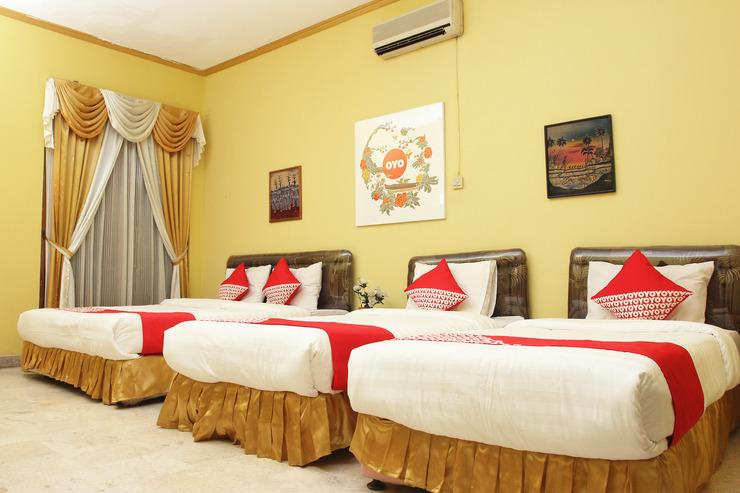 OYO 392 hotel mawar saron Yogyakarta - Bedroom