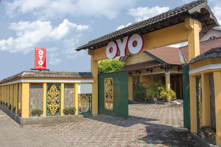 OYO 392 Hotel Mawar Saron Near RS Bethesda Yogyakarta - Facade