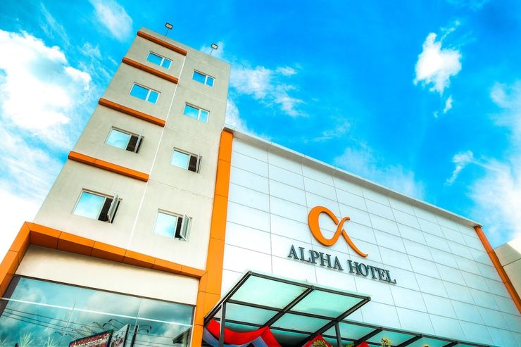 Alpha Hotel Pekanbaru - Featured Image