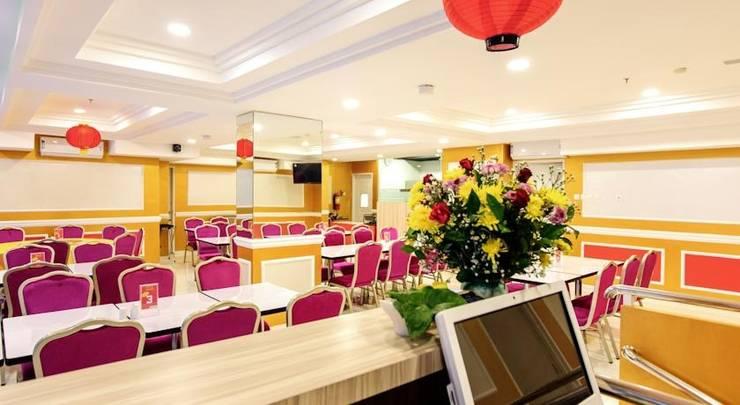 @Hom Hotel Kudus - Interior