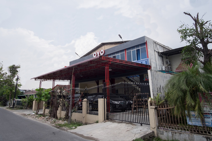 OYO 356 Titipapan Residence Medan - Facade