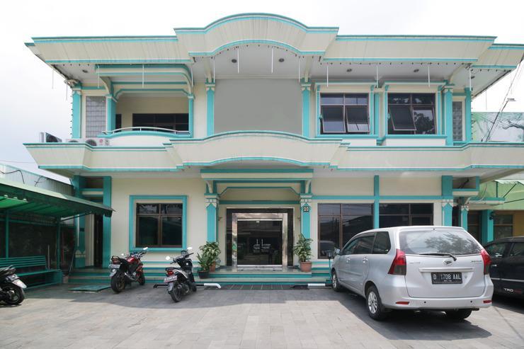 Airy Regol Moch Ramdan 96 Bandung - Exterior
