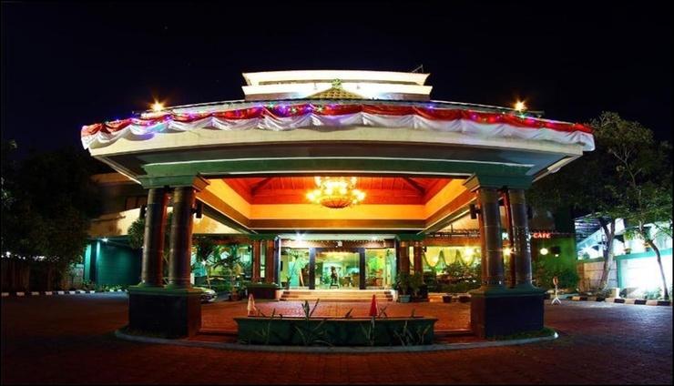 Zamrud Hotel & Convention Cirebon - exterior