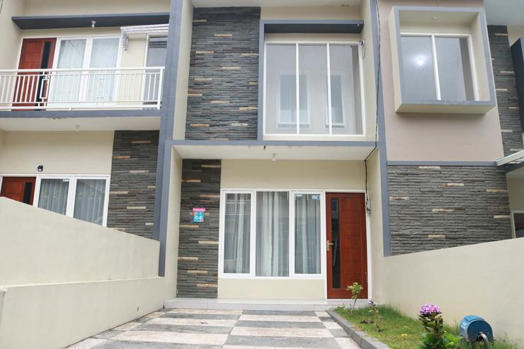 Backpacker Djagad Villa  Malang - villa tampak depan