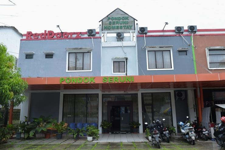 RedDoorz near Museum Lambung Mangkurat Banjarmasin - Bangunan Properti