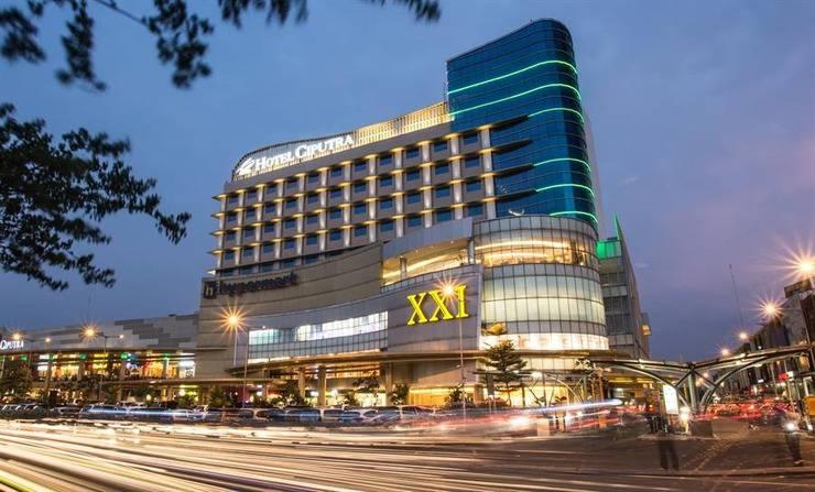 Hotel Ciputra Cibubur - Tampilan Luar Hotel