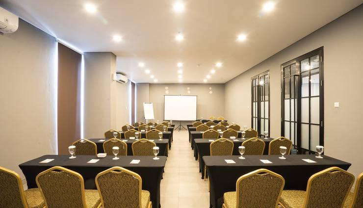 Maple Hotel Grogol Jakarta - Classroom
