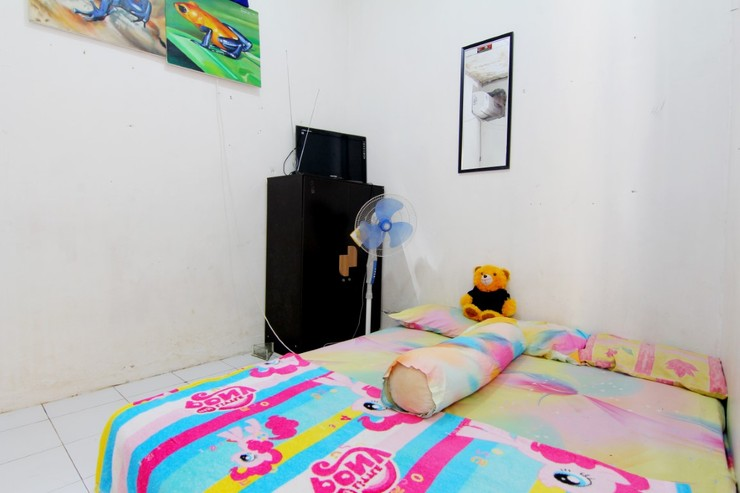 D'Angkring Wisma Sarjana Yogyakarta - room