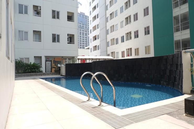 Pavilion Permata Apartment By Travelio Surabaya - Kolam renang