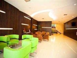 Grand Celino Hotel Makassar - LOUNGE