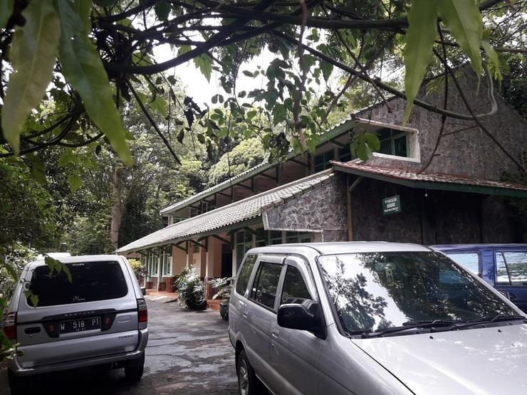 Pitta Guest House Malang - Facade