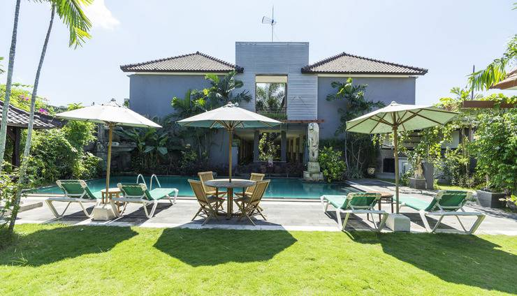 RedDoorz @Taman Mulia Jimbaran Bali - Taman