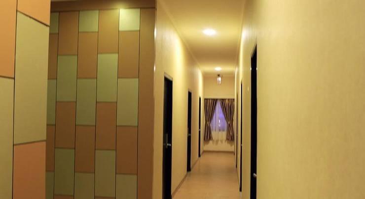 Hotel 55 B&B Jakarta - Coridor Area